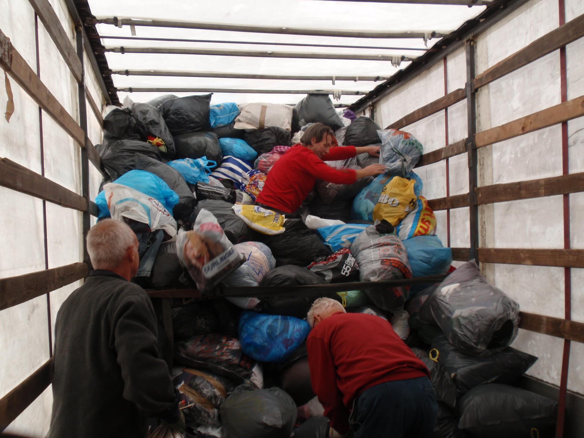 kledinginzameling-vrachtwagen